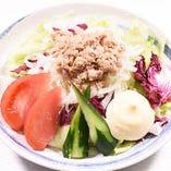 ツナの色彩サラダ