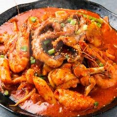 海の幸たっぷり炒め海鮮チム