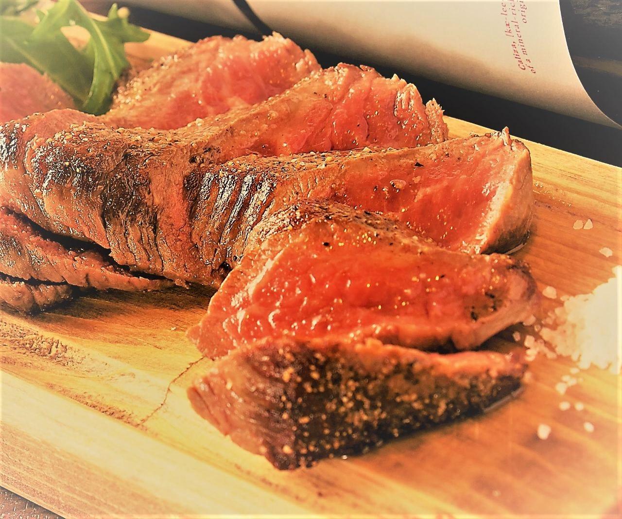 上州牛熟成肉のステーキ!肉バルイチオシメニューです!