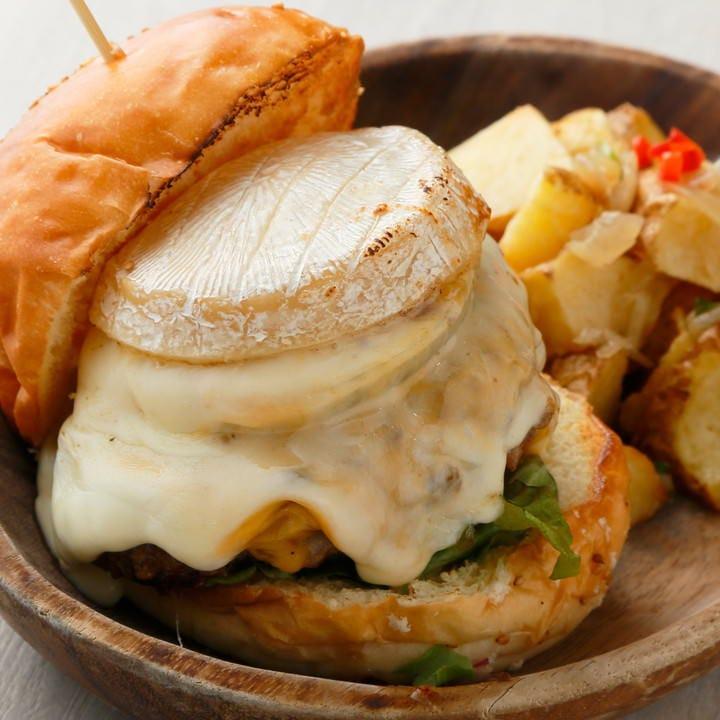 チーズ好きにはたまらない、トリプルチーズバーガー!