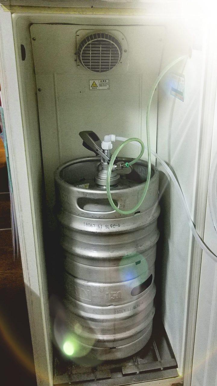 樽冷式サーバーで美味しい生ビールをご提供