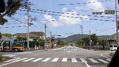 竹島入口交差点を右折