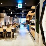 店内は全102席で、テーブル、ソファ、掘りごたつ個室と幅広いシーンにお使い頂けます