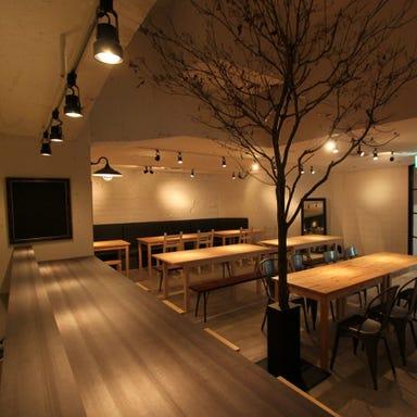 肉の溶岩グリル&横浜地野菜 H.B's nest 店内の画像