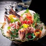 ■刺身■ 産地直送の鮮魚、盛合せは個別盛り