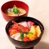 """【季節のランチ】七種の贅沢″海鮮丼"""" あら汁付き"""