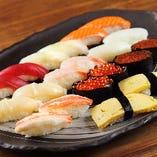北海道の活魚を使用した寿司や刺身は絶品!
