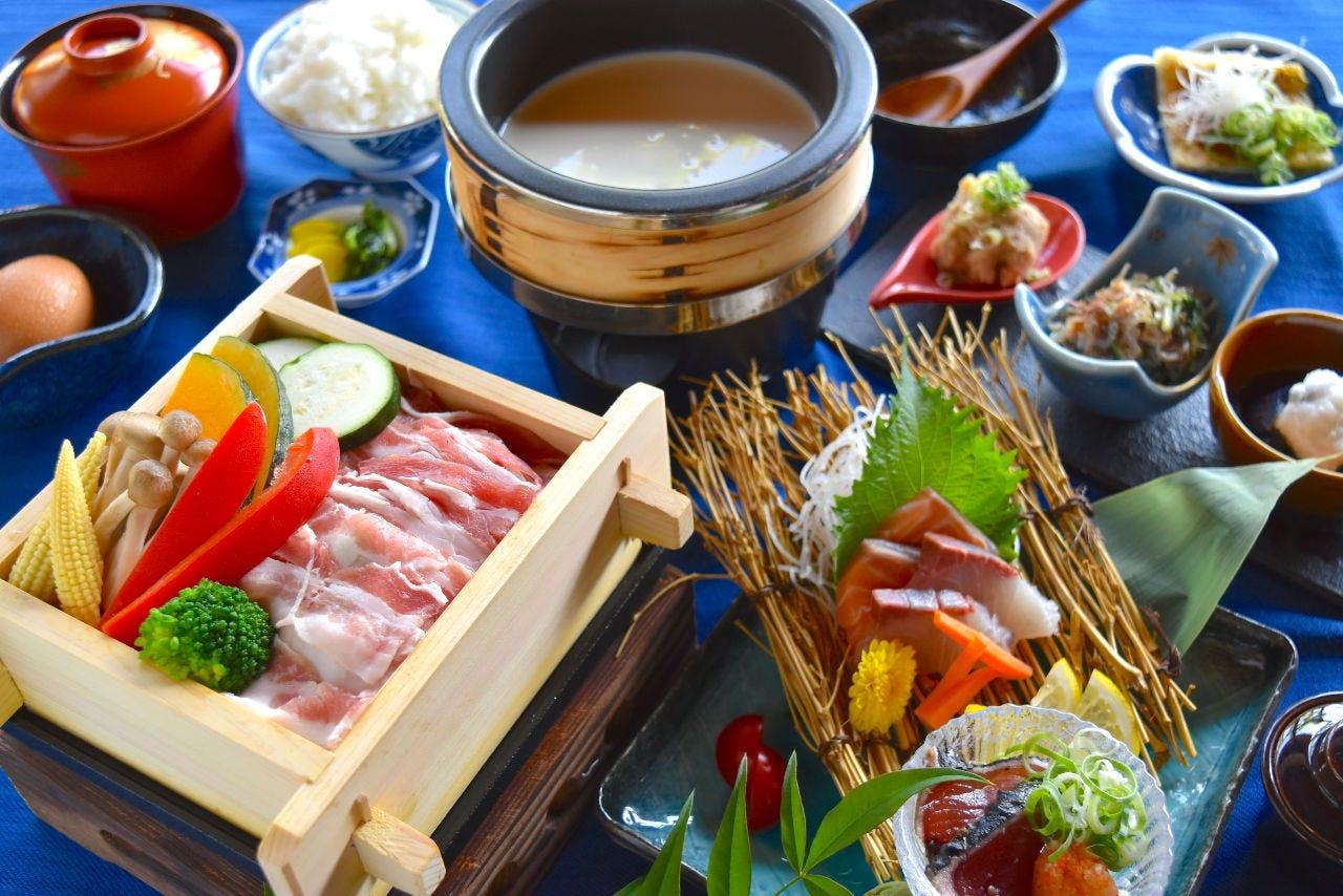 【夜のお食事に】天水分豆腐とオリーブ豚のせいろ蒸し膳