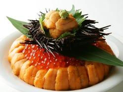 名物雲丹といくらのあわせ飯を盛り込んだ【美食懐石】はお勧め!
