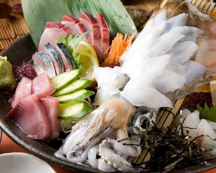 玄界灘の天然旬魚をお刺身で 玄海朝〆刺身盛り合わせ 1,280円