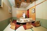 個室内での調理も可能 (個室全4部屋・大広間20名対応可)