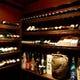 ソムリエ資格取得店。セラーに入ってお好きなお酒を選ぶことも可