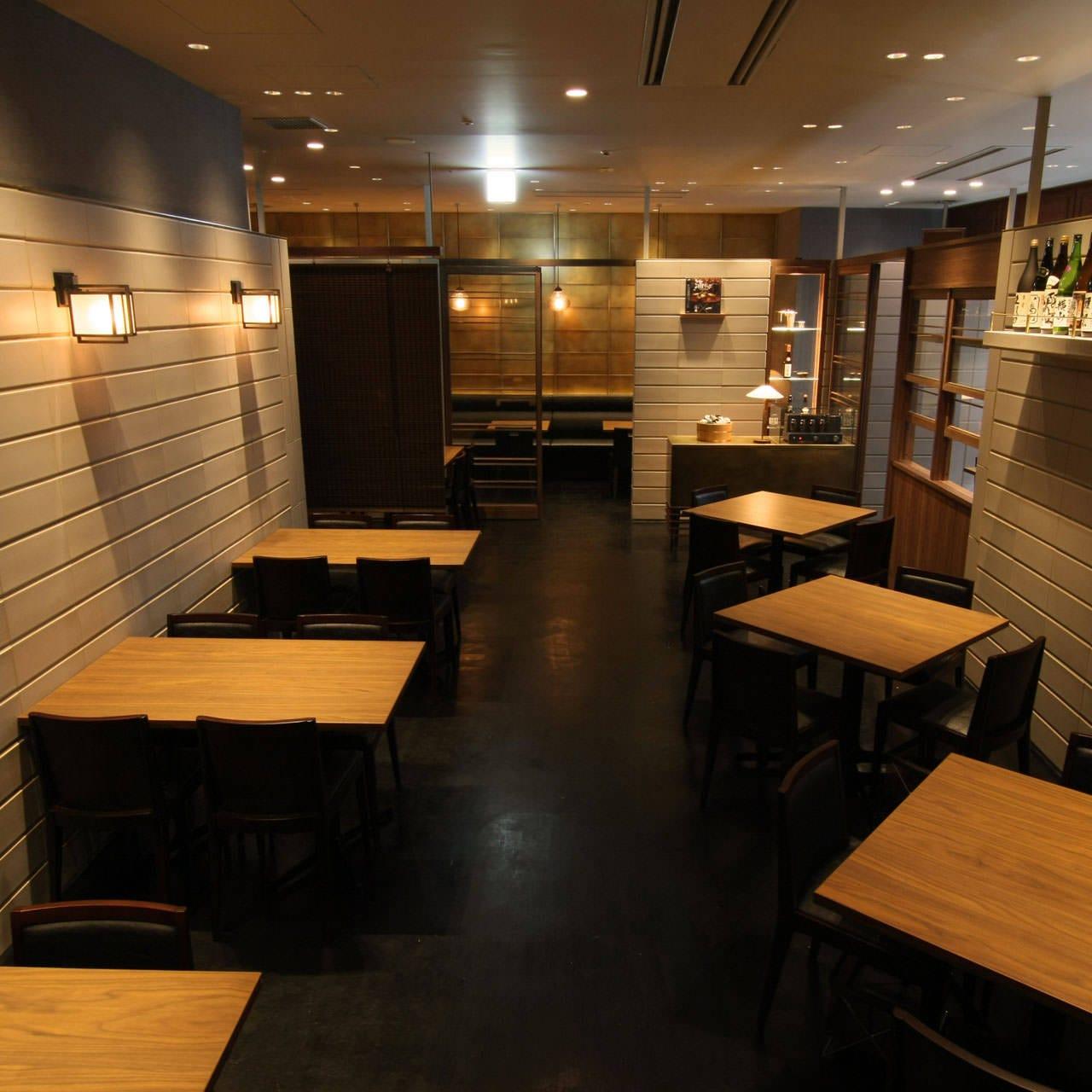 日本酒引き立つ空間