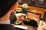 社用の接待や大事な会合など、個室で気兼ねなくお食事が可能です