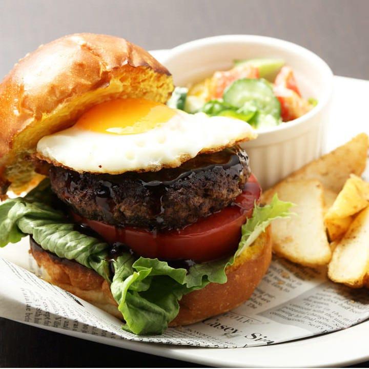 溶岩で焼くビーフ100%ハンバーガー