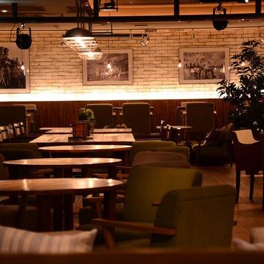 #702 CAFE&DINER なんばパークス店 店内の画像