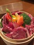近江牛と旬野菜たっぷりの蒸ししゃぶ鍋