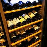 店内のワインセラーに約40種類ストックしております