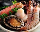 活鮑や車海老、帆立、ズワイ蟹など 季節の海鮮も人気メニュー