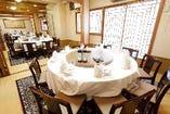 【座敷】高座椅子仕様の個室は最大40名様まで御利用頂けます。