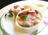 ☆コース料理…一例)『海鮮二種のサイコロ炒め パンカップ添え』