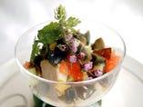 日光生湯葉豆腐とピータンのサラダ