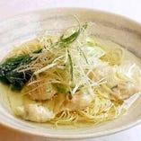 海老入りワンタン麺(香港麺使用)