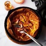 TESIOベーコンのダッチパンケーキw/フルーツ・豆乳ホイップ・メープルシロップ