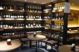 食事に合うワインも数多く取り揃えております。