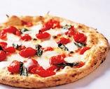 ナポリを表現したシンプルかつ贅沢なピッツァ 『D.O.C』
