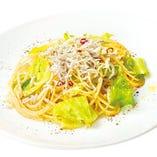 【季節限定】瀬戸内産シラスと春キャベツのペペロンチーノ~黒七味風味~【HOT】