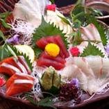 【鮮魚】朝〆造り盛り合わせ。市場直送の鮮魚!捌き方にこだわり