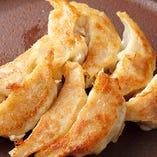 朝霞姫餃子は一口サイズで女性の方でもぱくぱく食べられます♪