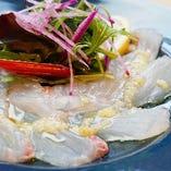 青木農園のお野菜を添えた「本日の鮮魚のカルパッチョ サラダ仕立て」