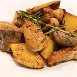 鉄板!ジャガイモと若鶏のガーリックソテー