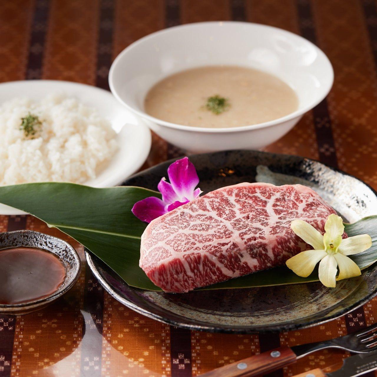 お昼に贅沢な石垣牛のステーキはいかが?風味豊かな味わいに感動