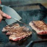 【 肉 】 沖縄本島で育った「もとぶ牛」のステーキが人気!