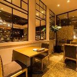 1階 テーブル席2名様×2卓