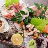 牡蠣や様々な貝なども日によって御提供させていただきます。