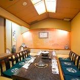 接待や顔合わせ、お忍びでの会食などおもてなしの席に適した純和風のVIP個室。上質の和空間でステキな時間をお過ごしください。