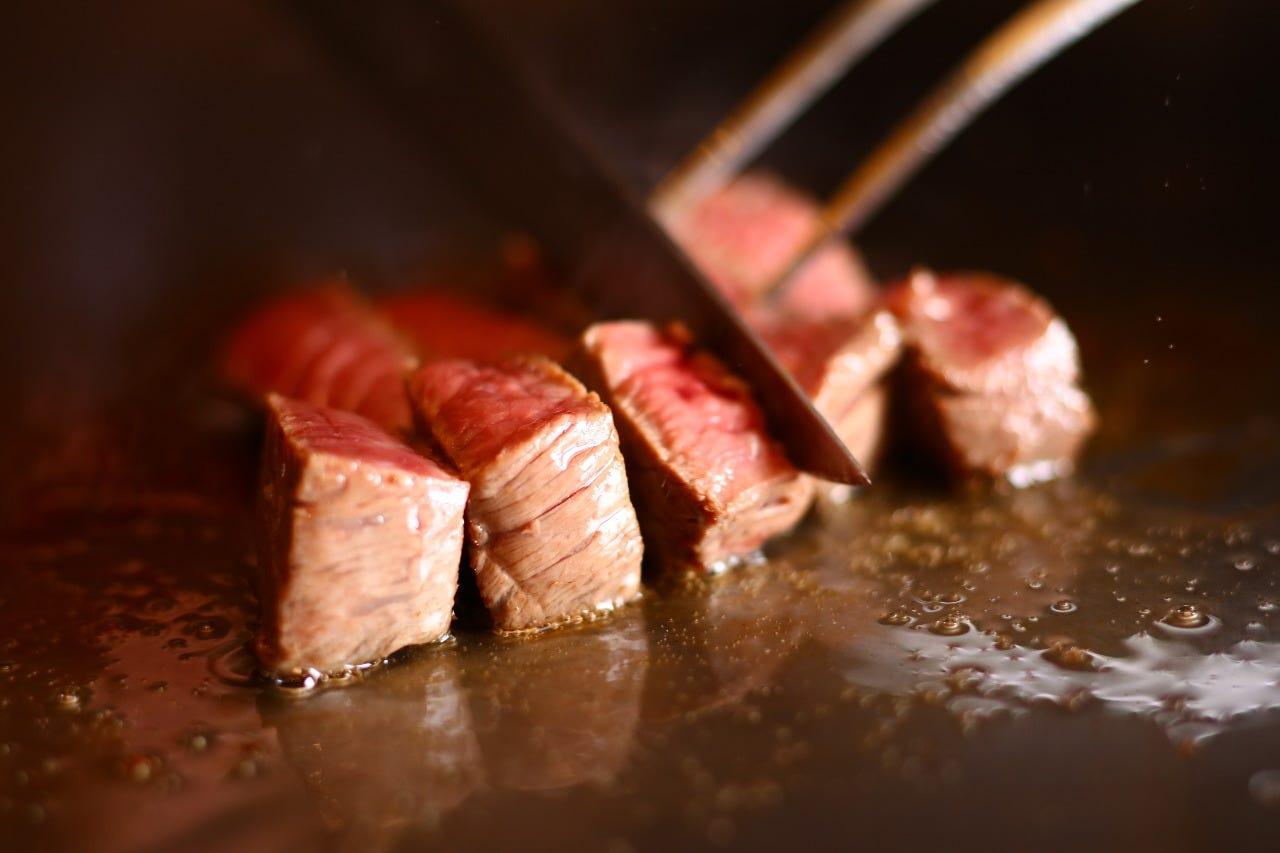 長崎牛ステーキをご堪能ください