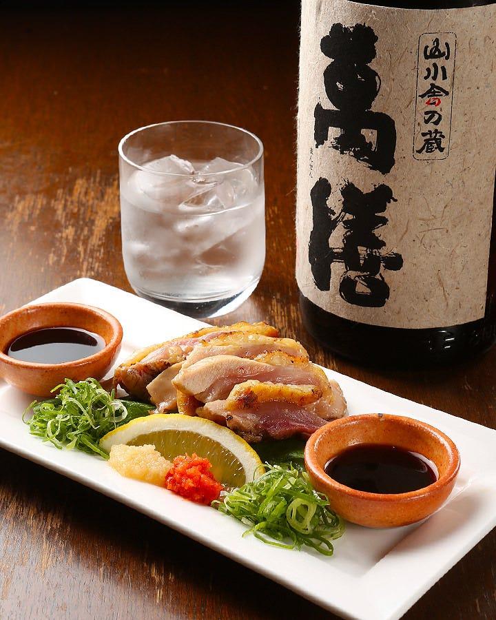 鶏のタタキと焼酎は、 店長おすすめの組み合わせ!