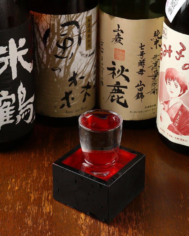 関西の蔵元を中心に 知る人ぞ知る名酒がずらり