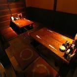 《半個室》脚が楽な掘りごたつプライベート空間で宴会を。10名様まで