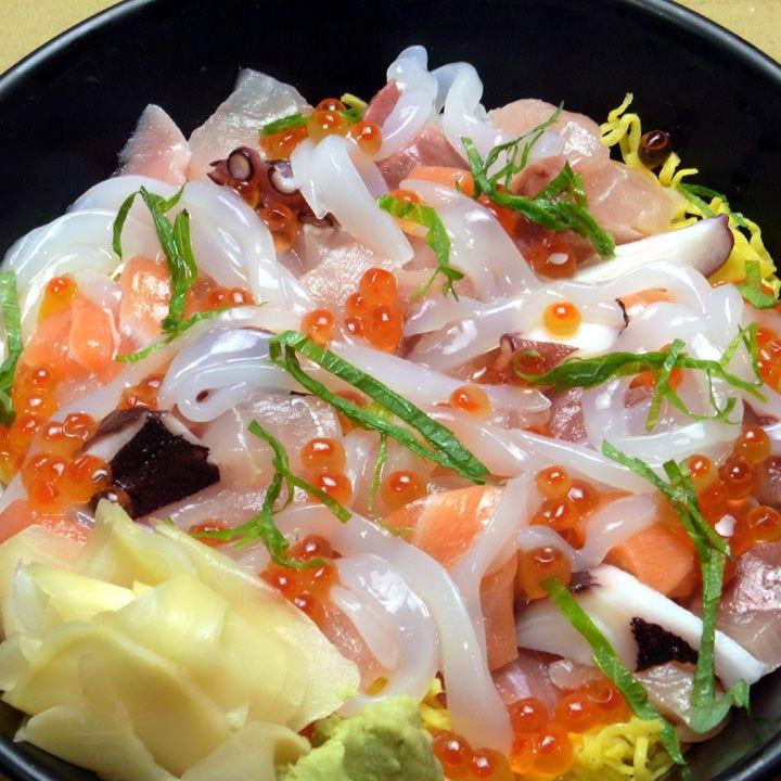 日本海で育った新鮮素材をたっぷりと心ゆくまで味わえます