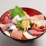お魚八種の海鮮丼