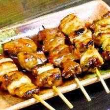 ■赤ダレ焼や豚焼、鶏焼による串焼き
