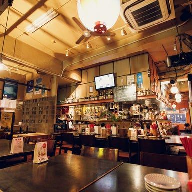 沖縄料理と島酒 なんちち食堂  店内の画像