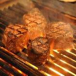 本日の霜降肉炭火焼きステーキ