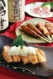 手作りの鶏つくね、大山地鶏を使った串焼きは絶品!!!